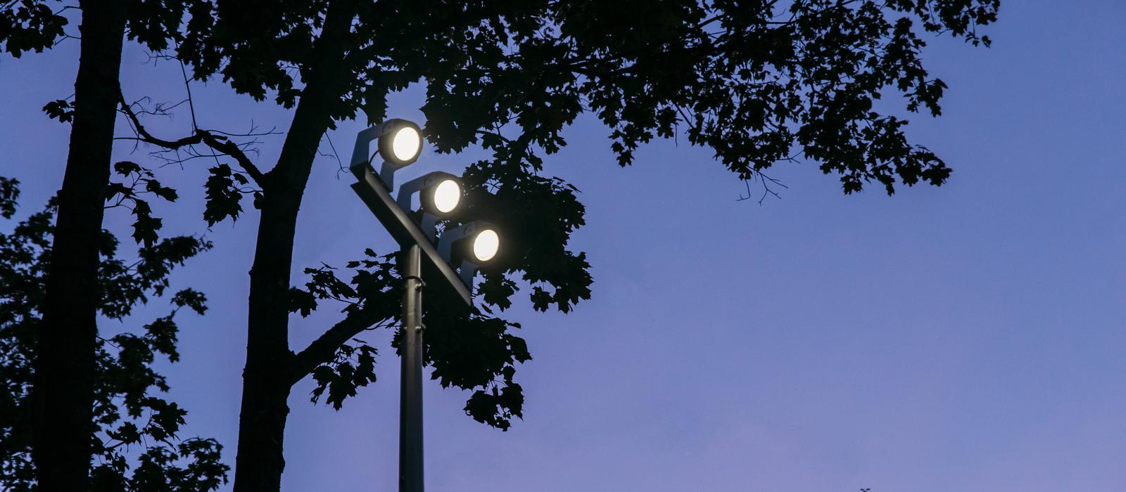 Светодиодная led опора освещения TRIF