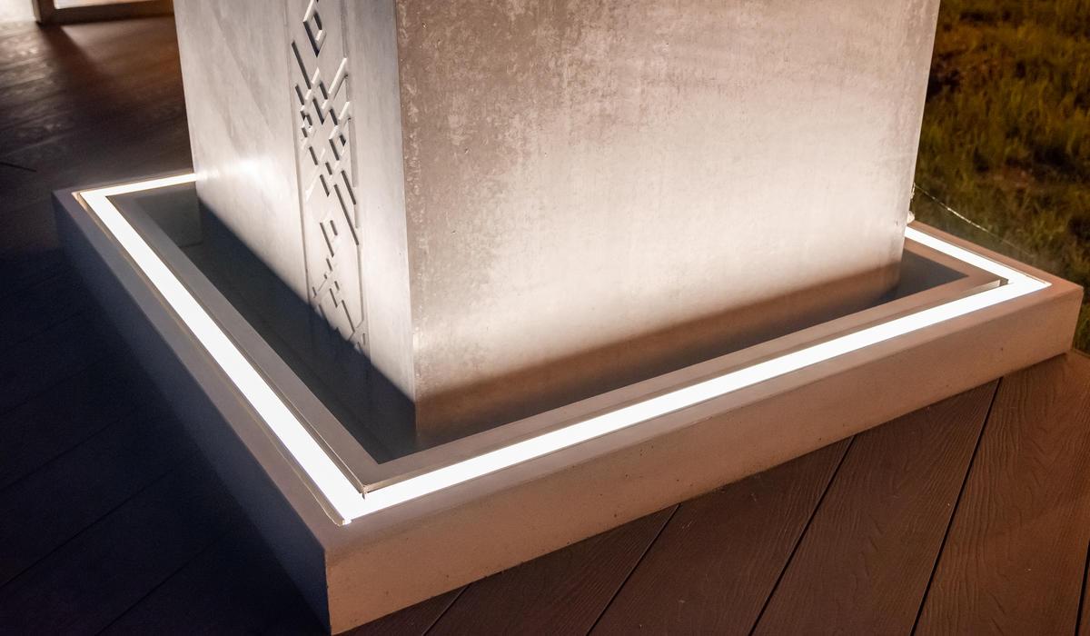 Ресторан Лебяжий - светильники в мощении LANE