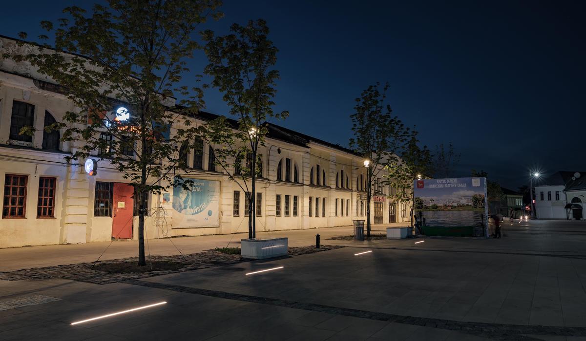 Площадь в Ростове - светильники в мощении LANE
