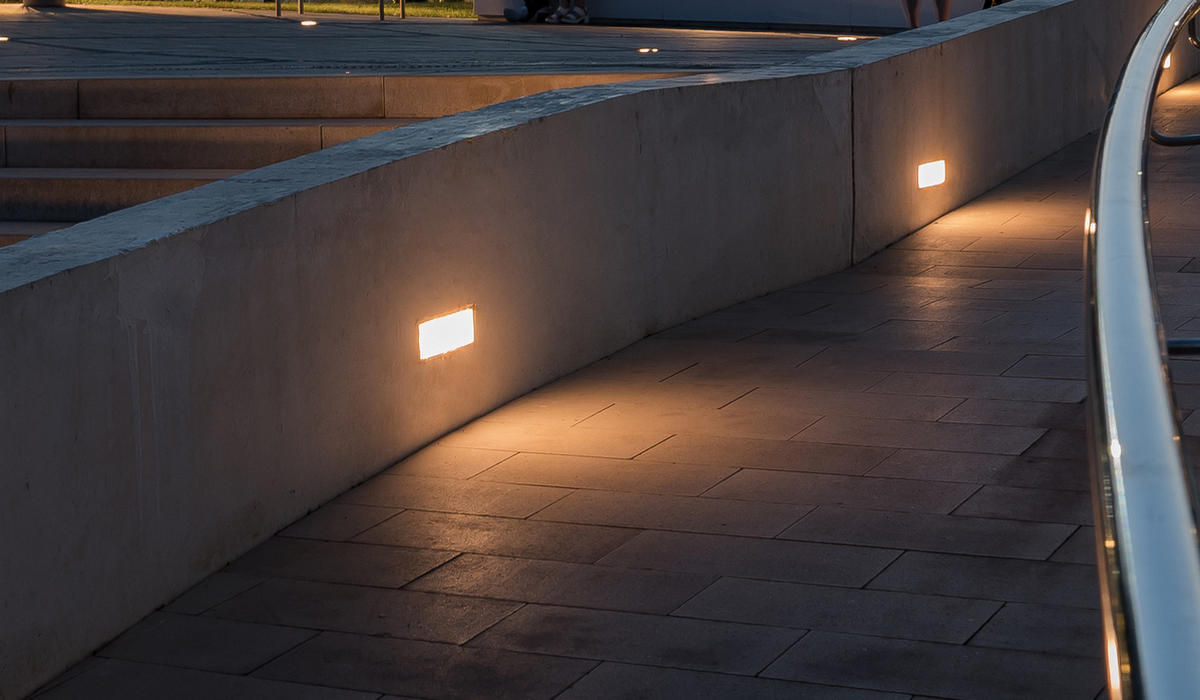 Площадь в Ростове - Надежная светодиодная плитка TRIF BRICK