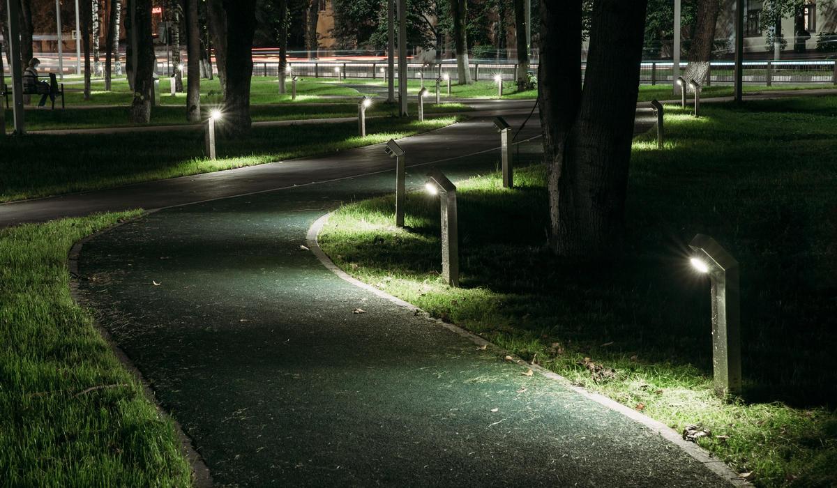 Нарофоминск сквер - Уличный светодиодный светильник столбик TRIF ROCK JU