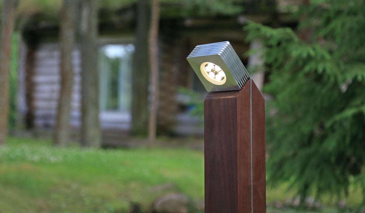 Светильники-столбики для ландшафтного освещения TRIF WOOD Q
