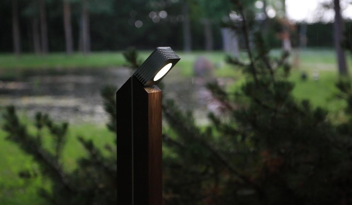 Светильники-столбики для ландшафтного освещения TRIF WOOD Q на заказ в Спб
