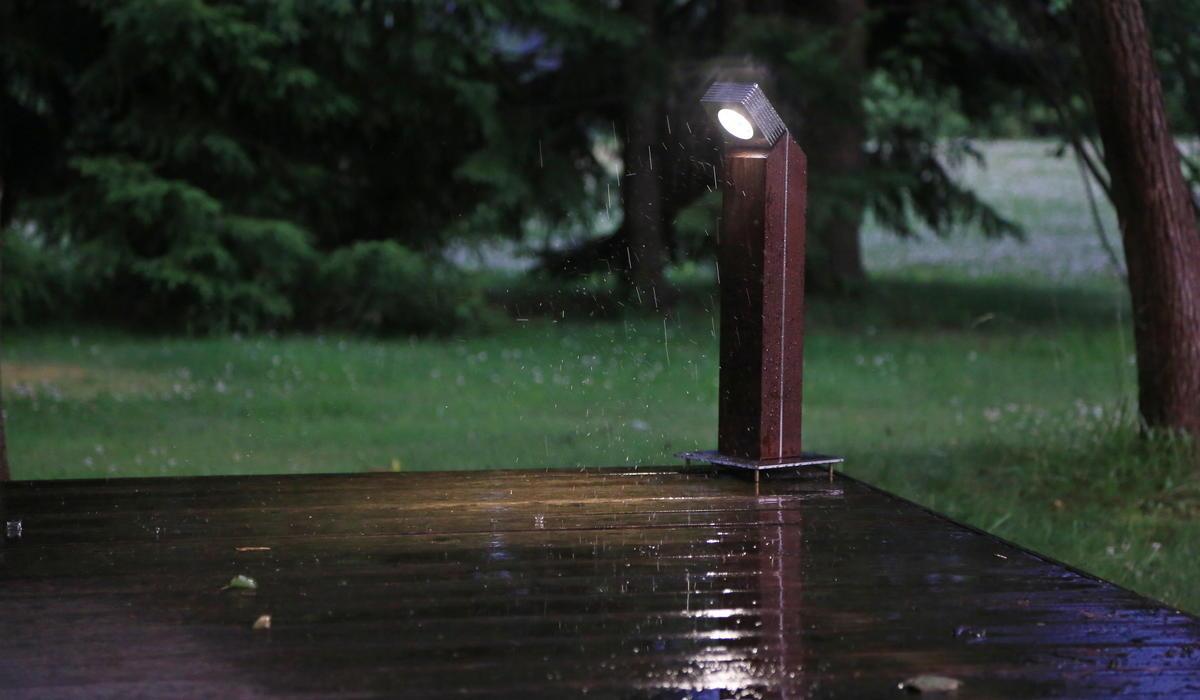 Светильники-столбики для ландшафтного освещения TRIF WOOD Q от производителя
