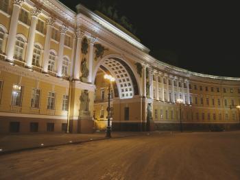 Светильники LUNA у арки Главного штаба на Дворцовой площади